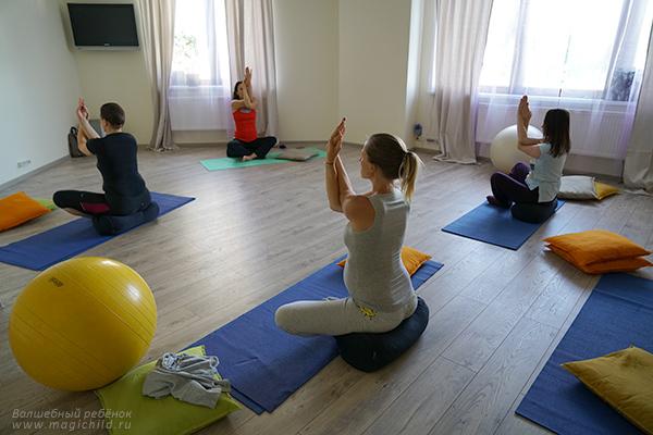 Фитнес или йога для беременных что лучше